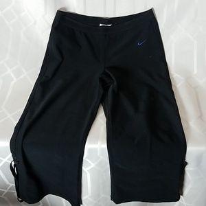 Nike black polyester capris fitness pants womens S